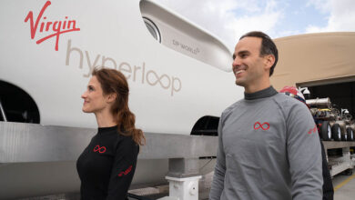 Hyperloop úspěšně zvládl první test s posádkou